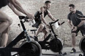 Razones prácticas para la puesta en forma en bicicleta de spinning