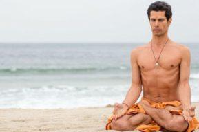 Los hombres tienen miedo de practicar yoga