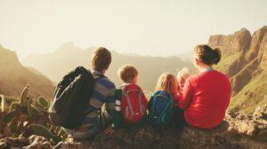 Disfrutando de la montaña en familia