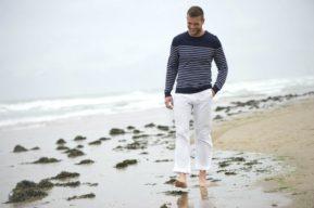 Los errores más comunes al llevar ropa interior con un pantalón claro