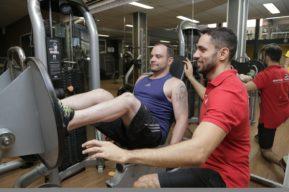 Beneficios de ejercitarse con un entrenador personal